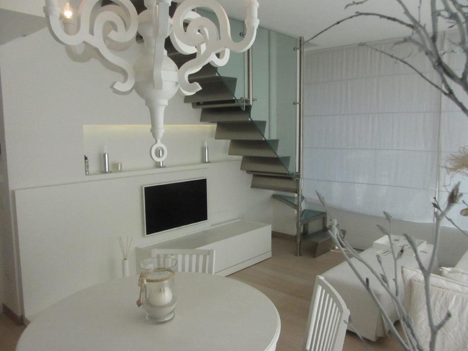 Appartamento milano marittima a 250 metri dal mare for Casa milano vendita